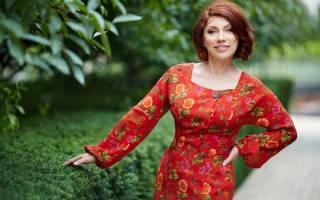 Ведущая «Давай поженимся» показала, как прическа изменила ее внешность: Роза Сябитова продемонстрировала подборку фото, удивив поклонников своими преображениями