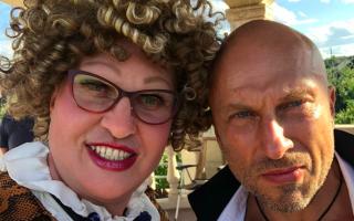 Александр Ревва удивил своих подписчиков новой прической — актер предстал совершенно лысым