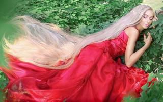 Одесска Рапунцель, Алена Крааченко, длина волос которой уже 2 метра, рассказала, как надо за ними ухаживать